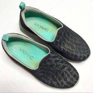 Vionic Hydra comfort slip on black shoes size 6